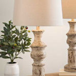 15 Affordable Vintage Farmhouse Lamps that you NEED for your home!