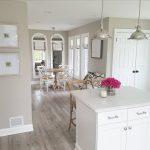 44 The Best Paint Color Ideas For Your Living Room - HOMYHOMEE