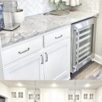 47+ Stunning White Kichen Cabinet Decor Ideas (With Photos) For 2019