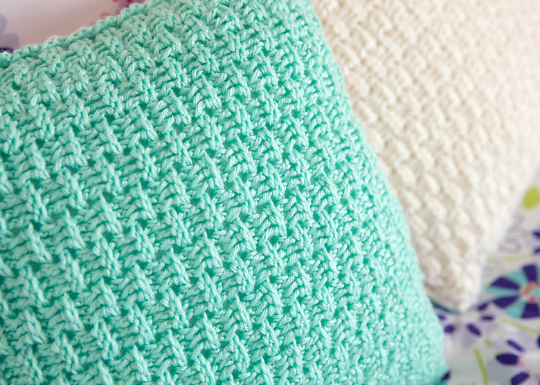 Free Pillow Cover Crochet Pattern - Leelee Knits