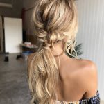 43 Easy Hairstyles For Vacation & The Beach - STYLE SKINNER