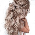50 Chic and Elegant Wedding Hairstyles Ideas for Bridal 2019 - Soflyme