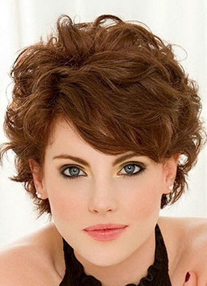 Try perfect short haircuts for women with curly hair | Best Curly Hairstyles