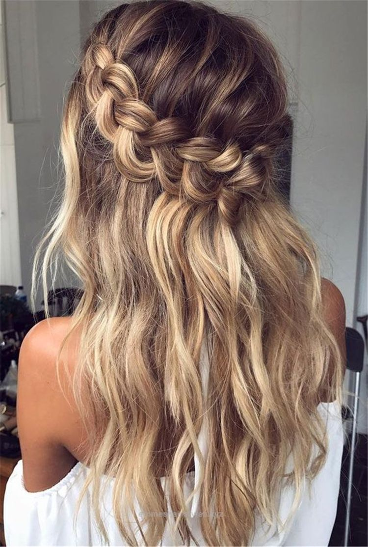 52 Half Up Half Down Wedding Hairstyles You Have To Keep For Your Big Day 2019 – Page 23 of 52 – Chic Hostess