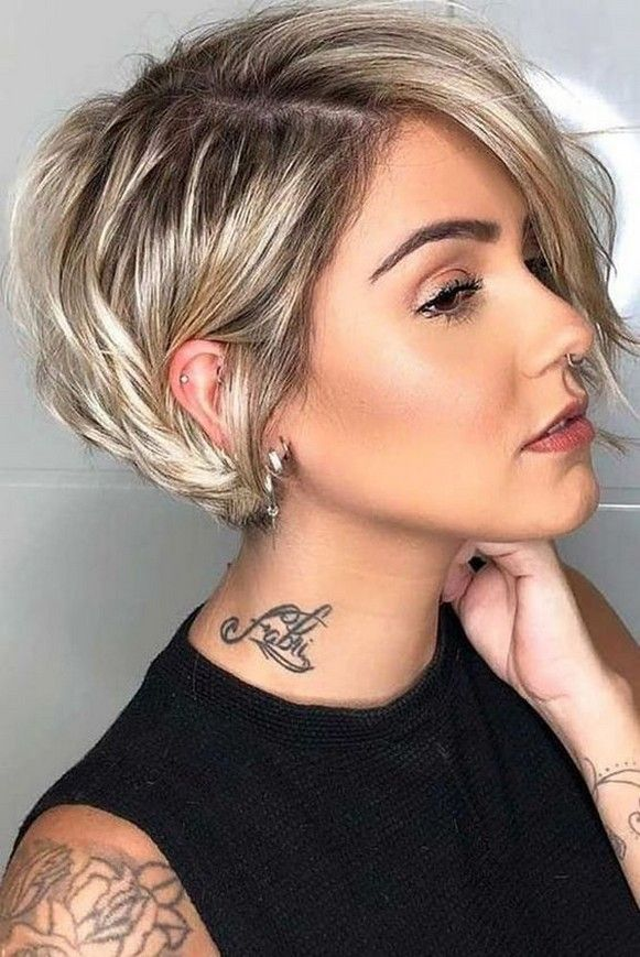 60+ Dare to be Sexy with Short Hairstyle Look