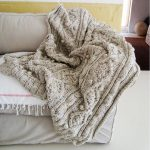 KNITTING PATTERN for chunky cable knit throw - https://pickndecor.com/mobel