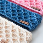 Amazing easy crochet headband FREE pattern! Make this for your next vendor event...