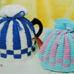 Classic Tea Cosy, Knitting Pattern PDF, Two-Colour Tea Pot Cover, Easy to Knit T...