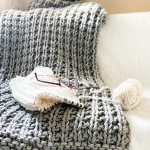 Easy Squishy Knit Throw Blanket Pattern | Handy Little Me