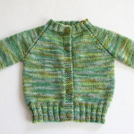 Top Down Knitted Raglan Baby Sweater [FREE Knitting Pattern]